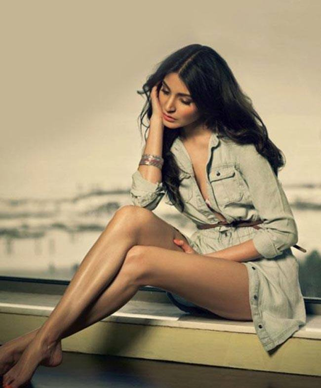 cool Hot Anushka Sharma Sultry Photo Shoot for Filmfare
