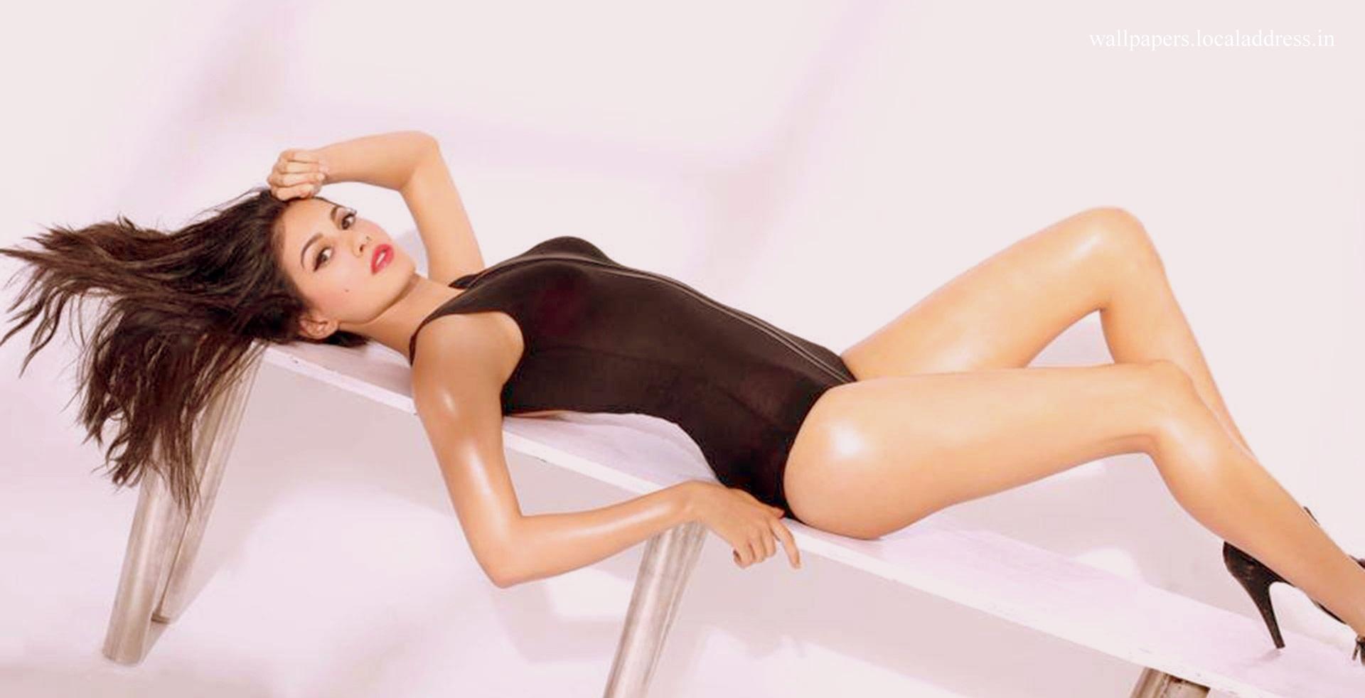 Amyra Dastur Hot Pic