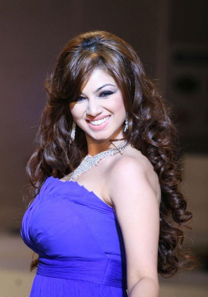 ayesha takia sexy photo
