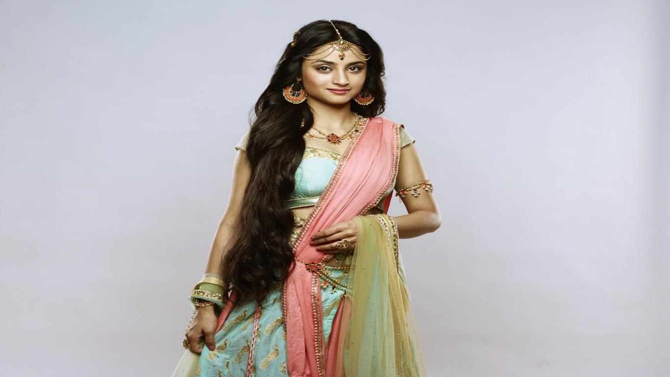 Madirakshi Mundle hot