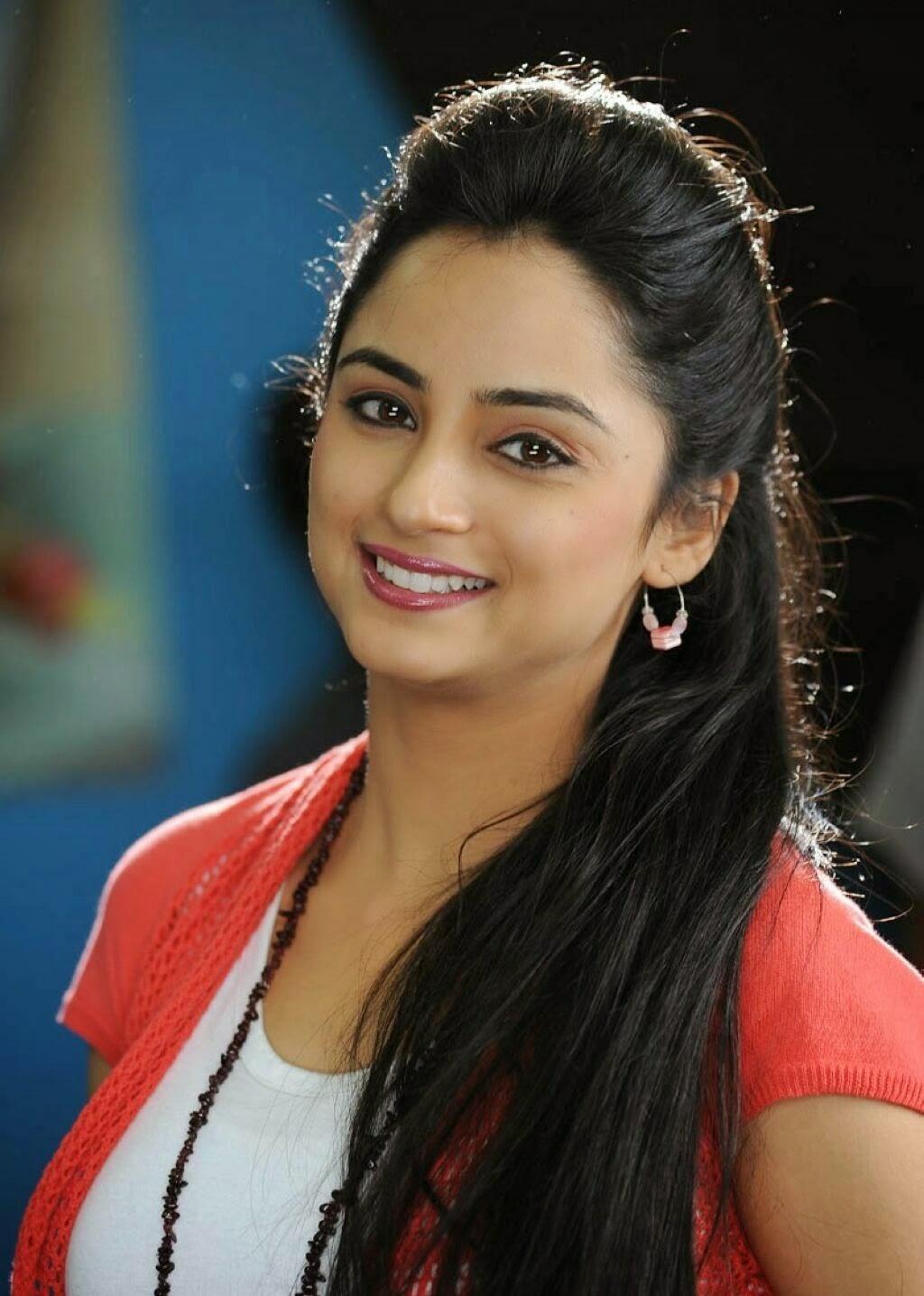 Madirakshi Mundle cute pics