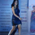 Singer Sunidhi Chauhan Hot Pics, Leaked Photos & Bikini Images