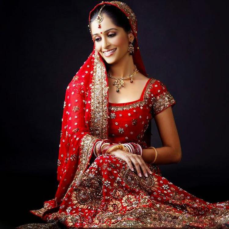 Bridal Photo Gallery: Dipika Kakar Pictures, Hot & Sexy Bikini Photos Pics