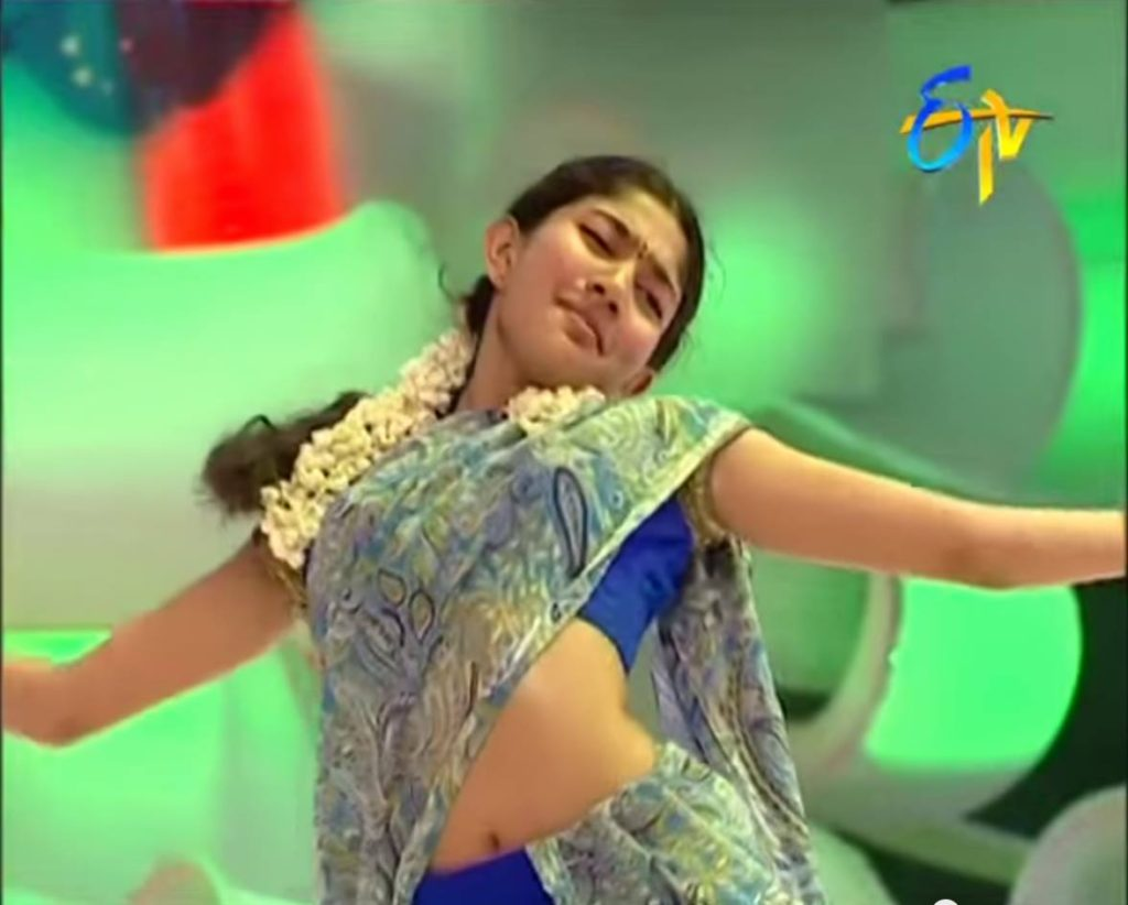 Sai Pallavi hot navel