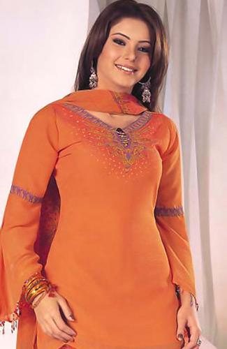 Aamna Sharif hot, bikini hot photos, bra size, sexy hot images, wallpaper pics, Aamna Sharif saree & bikini photoshoot