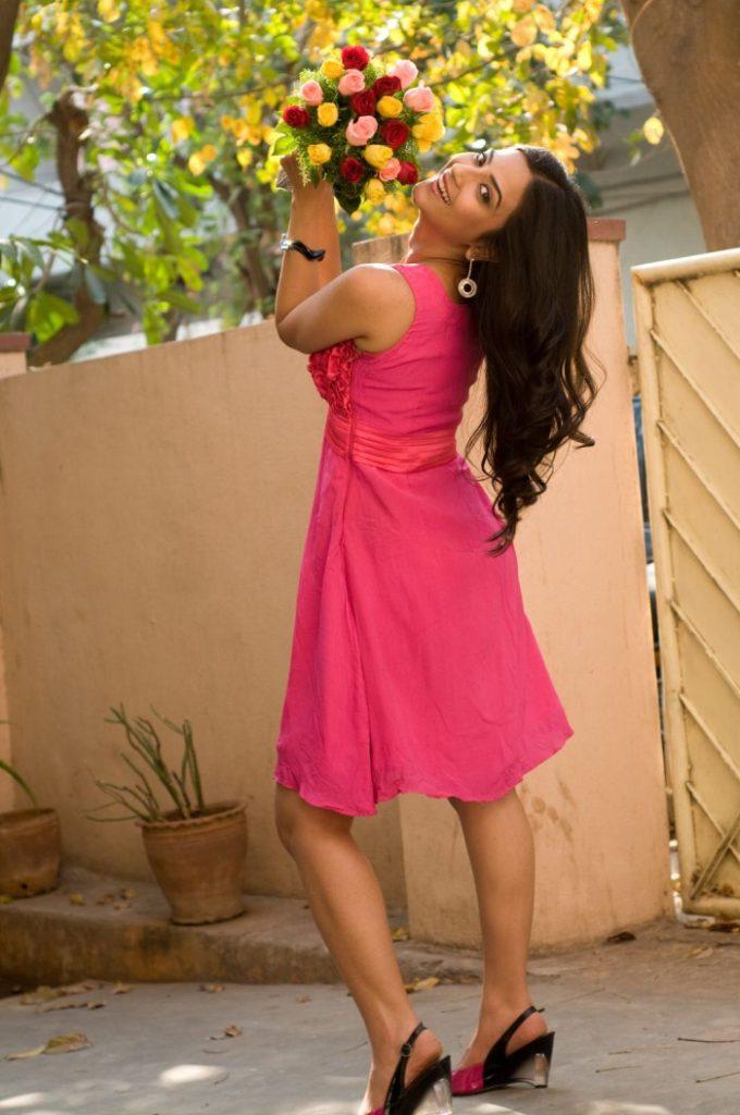 aditi sharma hot, bikini hot photos, bra size, sexy hot images, wallpaper pics, aditi sharma saree & bikini photoshoot
