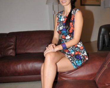Bruna Abdullah sexy thigh