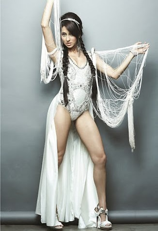 Shibani Dandekar Hot, 25 Sexy Bikini Photos - Shayari and ...