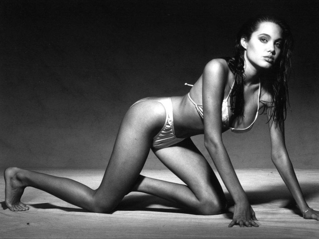 Angelina Jolie Hot Photos & Sexy Bikini Images Photoshoot - FunRoundup.com