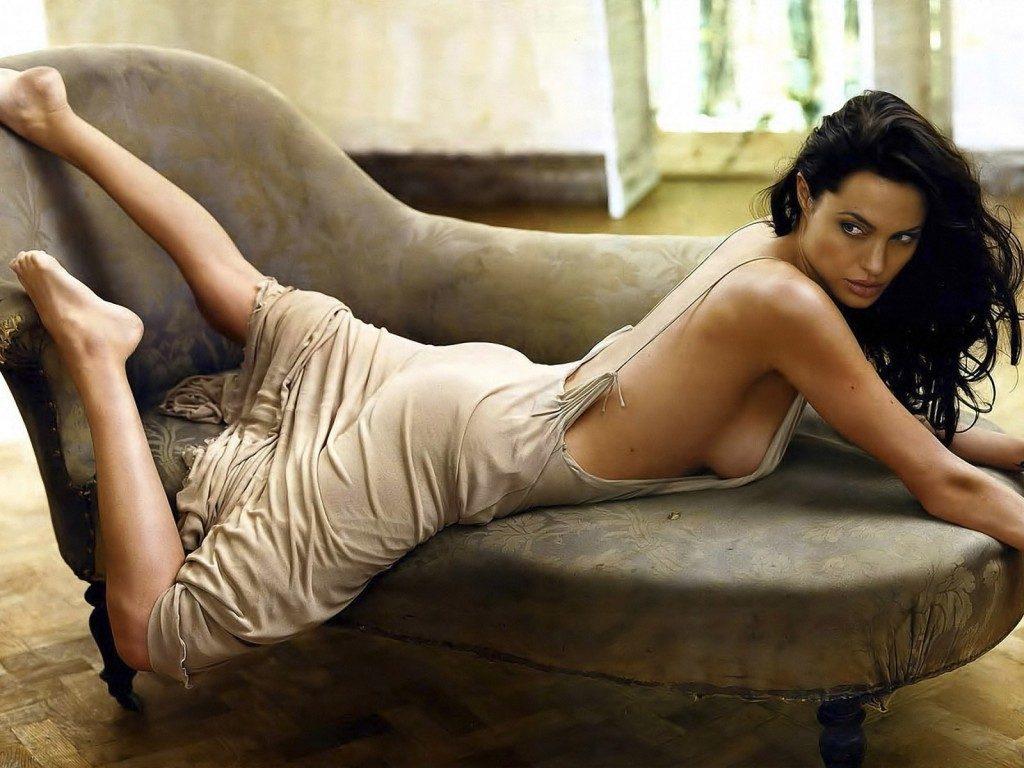 Angelina Jolie Hot Photos Sexy Bikini Images Photoshoot