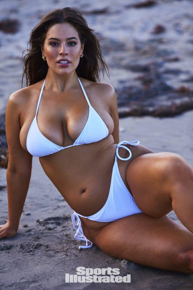 Ashley Graham hot swimsuit