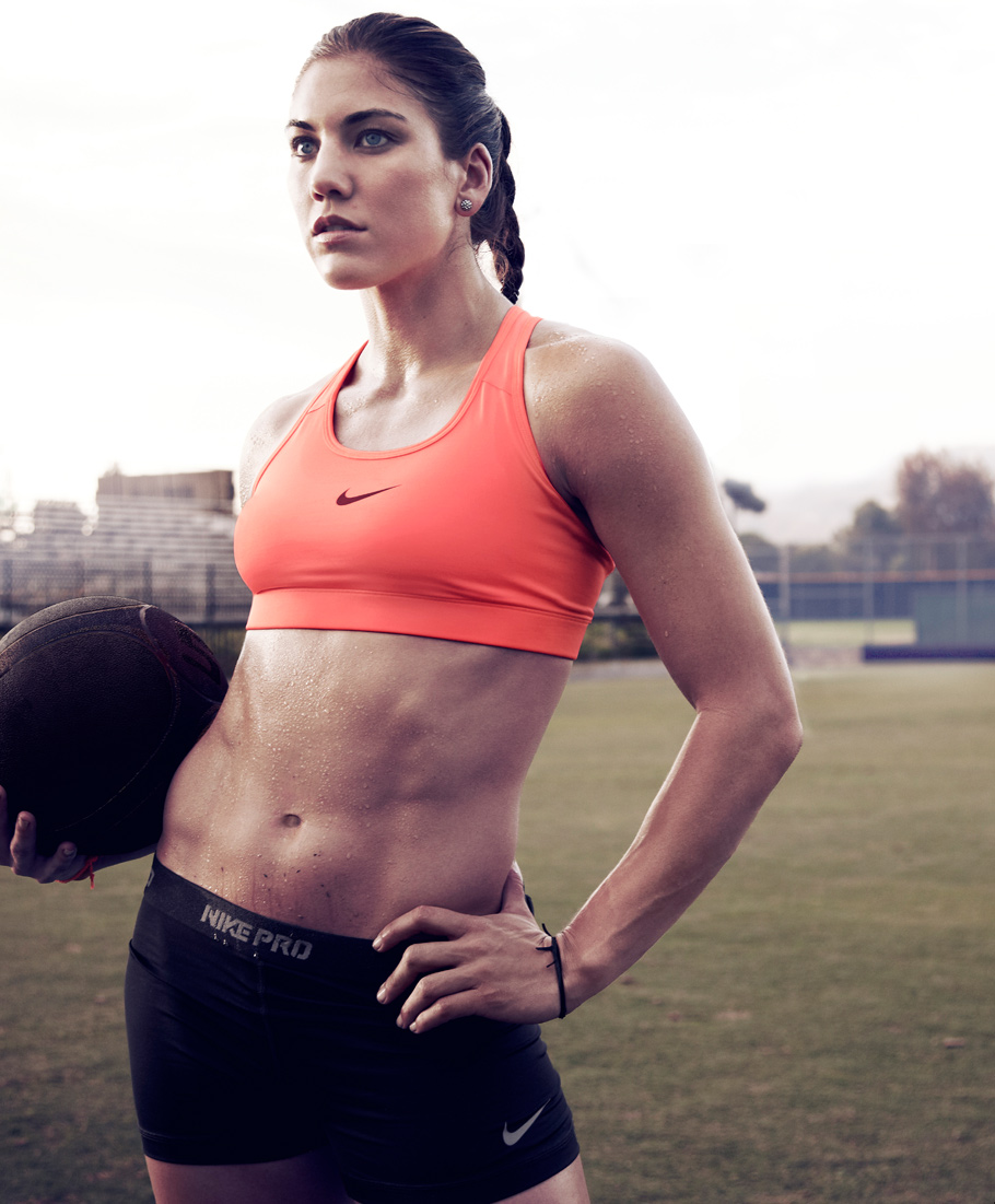 Hope Solo Hot Bikini Photos  Sizzling Cleavage Thigh Pictures - Funroundupcom-7054
