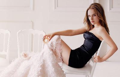 Natalie Portman Hot wallpaper