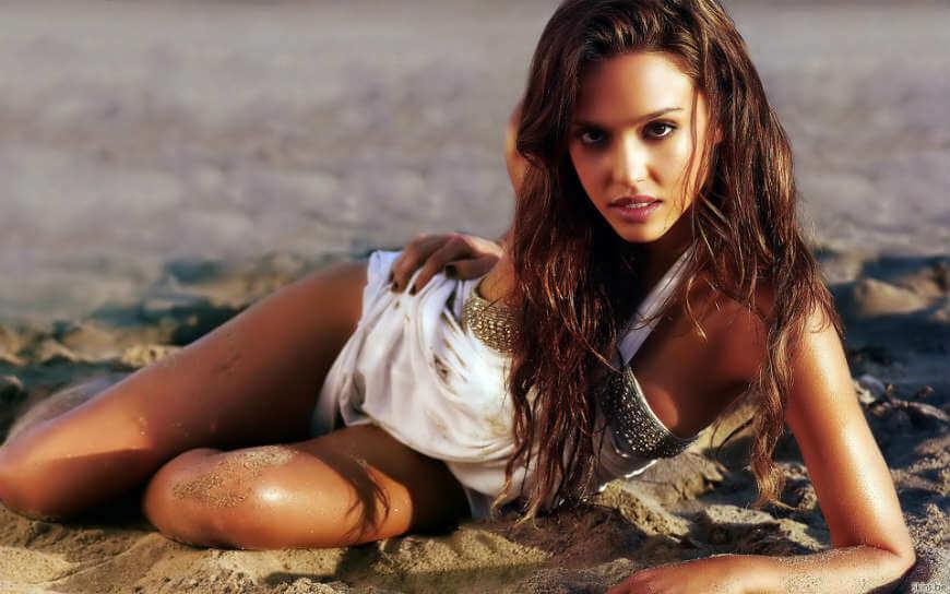Natalie Portman hot n sexy