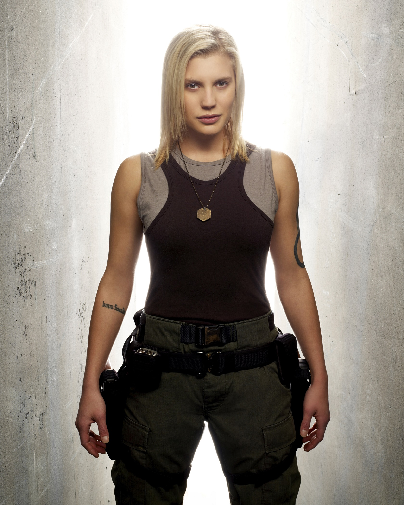 Katee Sackhoff Hot Pictures, Spicy Bikini Images Swimsuit