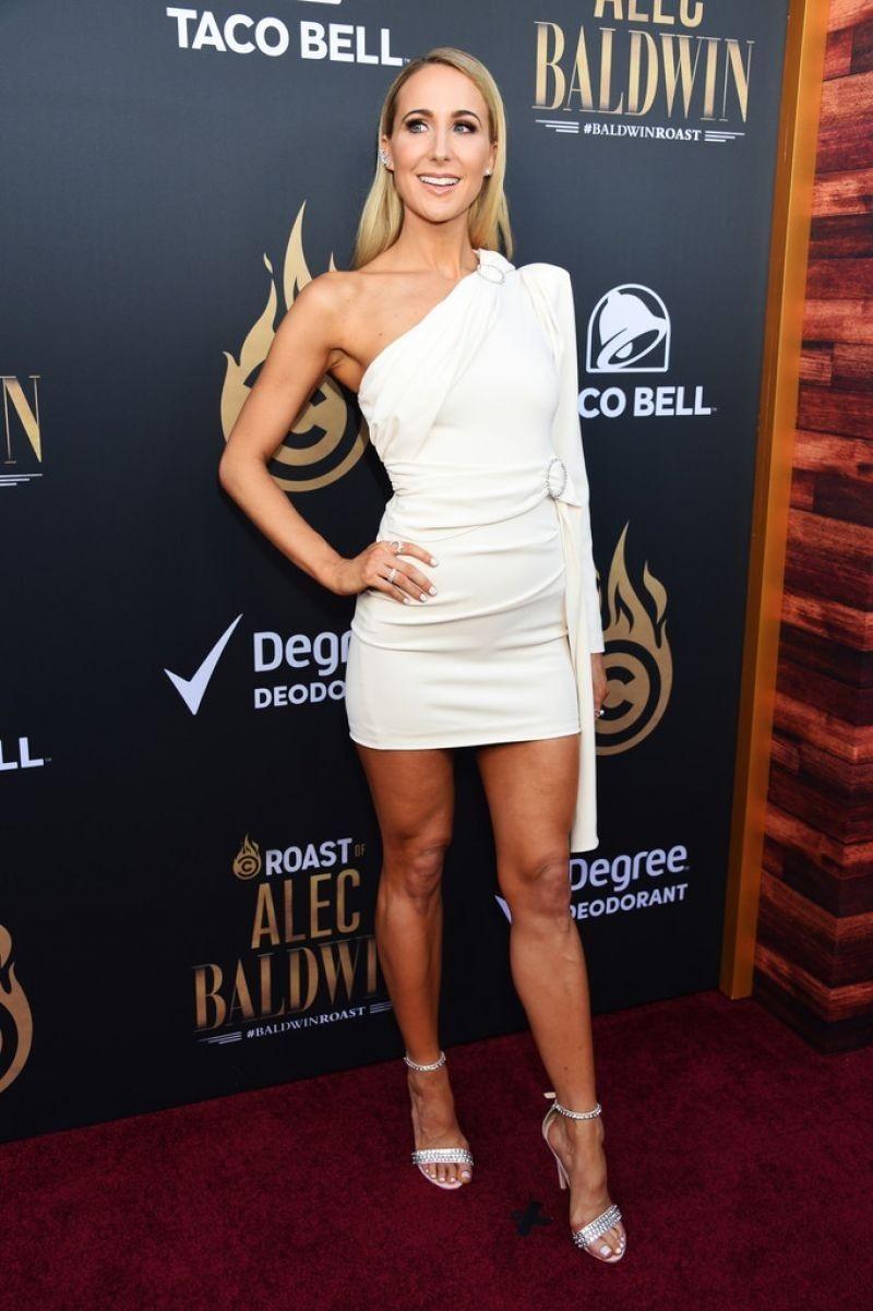 33+ Super Hot Nikki Glaser Bikini Pics INCLUDE Swimsuit ...