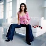 Shania Twain Hot Pictures, Sizzling Bikini Pics & Photos