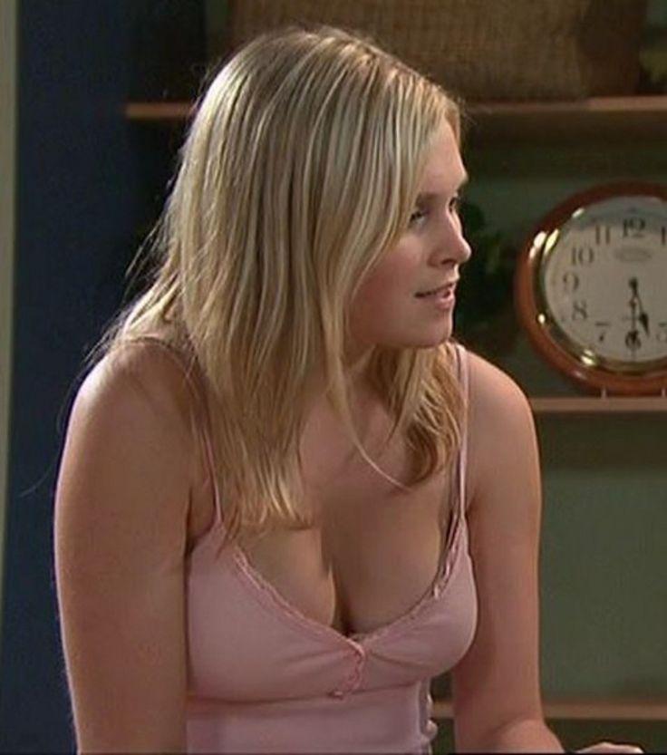 Eliza taylor nipple