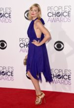 Beth Behrs Hottest Photos & Bikini Wallpaper Pics – You Can't Ignore it!!