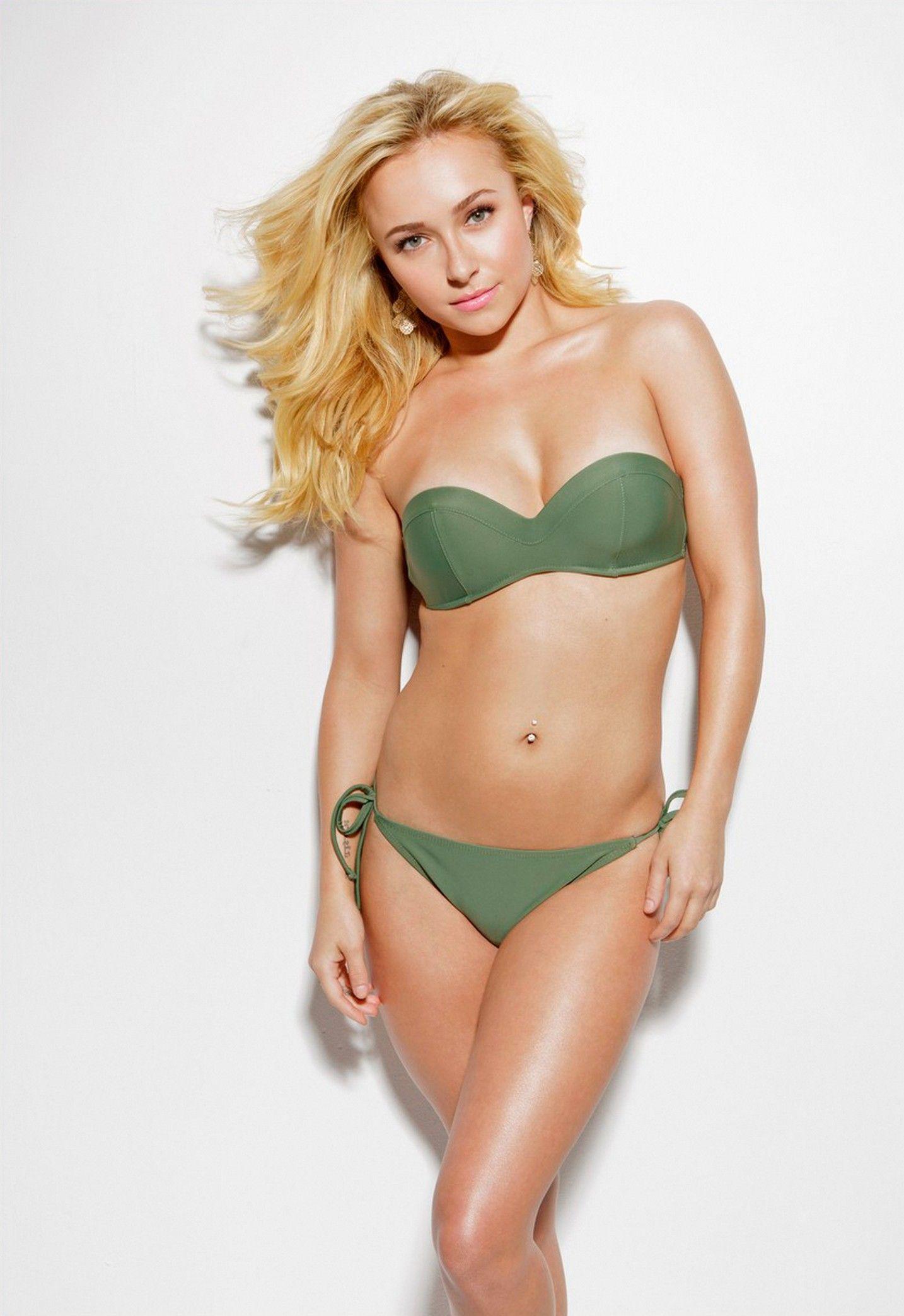 Hayden Panettiere Strips Down To Her Bikini