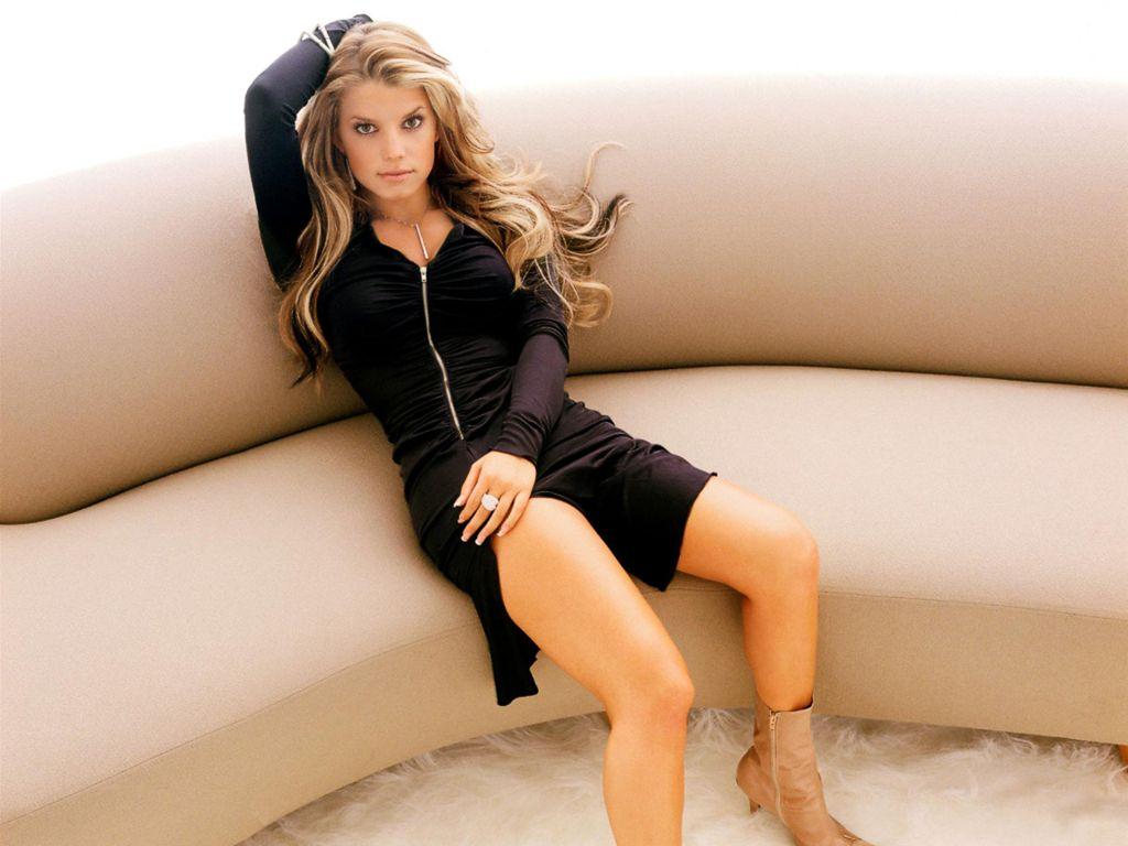 Jessica Simpson sexy feet