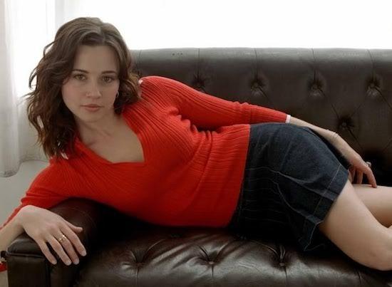 Linda Cardellini hot pics