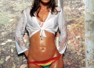Leah Remini Hot photos